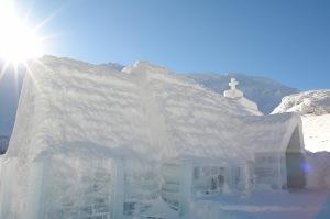 La chiesa di ghiaccio sul lago Bâlea, nella Romania centrale