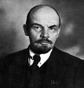 """""""Obladì Obladà"""" """"Quella… vuoi chiudere quella boccaccia? Non Lennon, Lenin! Vladimir Il'ič Ul'janov!""""  Trovatemi la -facile- citazione e avrete il mio amore"""